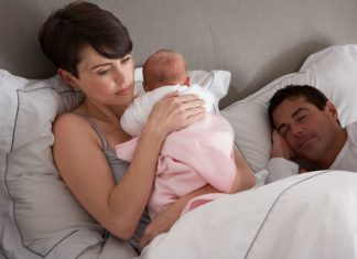 Yenidoğan Bebekler Neden Ağlar