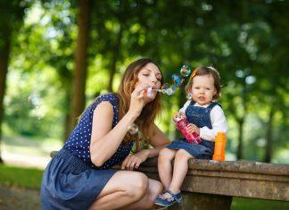 İlk 1 Yaşında Bebekler Neler Yapabilir
